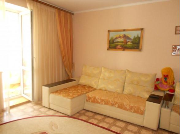1-комнат. квартира в Ильичевск, г сталинграда 1а