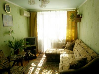 2 комн. квартира в Бердянске, Лютеранская 1