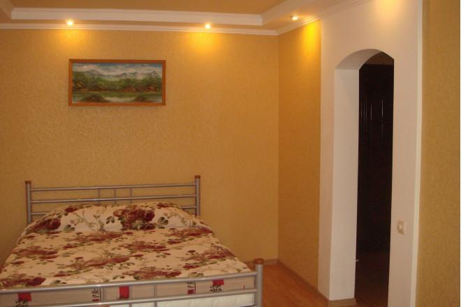 1-комнат. квартира в Мариуполе, карпинского 64