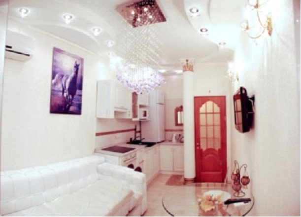2-комнат. квартира в Ильичевск, ПЕР.Хантадзе 4