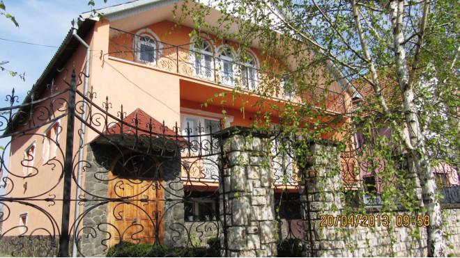 4-комнат. дом в Берегово, Молодежная 13