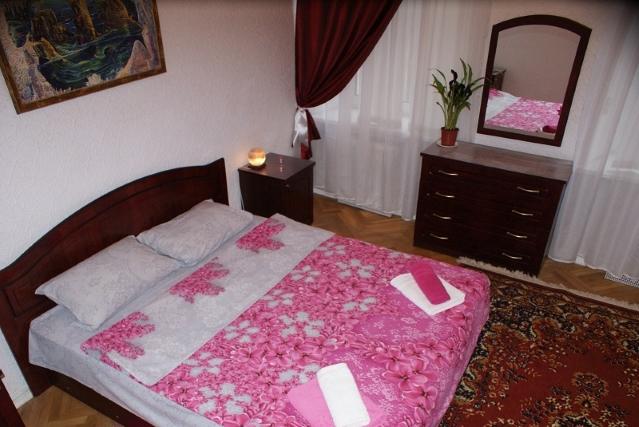 Зображення 3 - 4-кімнат. квартира в Київ, Андреевский спуск 11