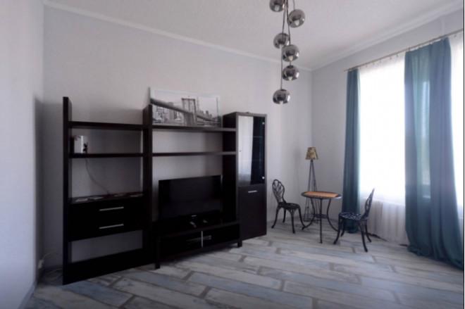 3-комнат. квартира в Киеве, Андреевский спуск 11