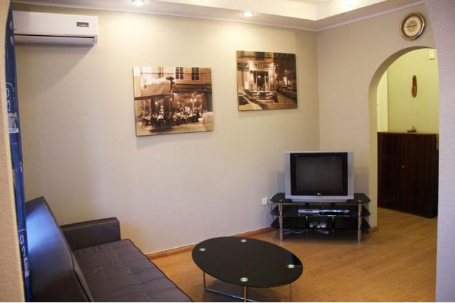 2-комнат. квартира в Киеве, Л.Первомайского 4