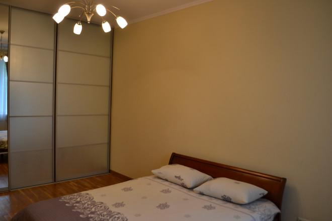 2-кімнат. квартира в Київ, Коновальца 27