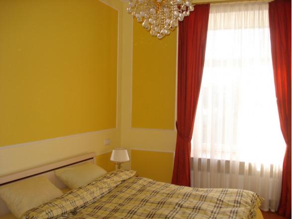 2-комнат. квартира в Киеве, Крещатик  25