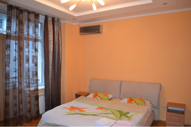 4-кімнат. квартира в Київ, Владимирская  37