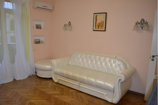 2-кімнат. квартира в Київ, Пирогова 2