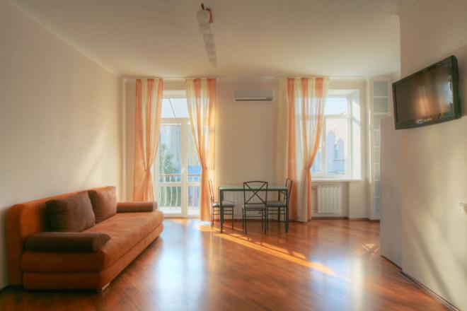 Изображение 2 - 2-комнат. квартира в Киеве, Костельная 11
