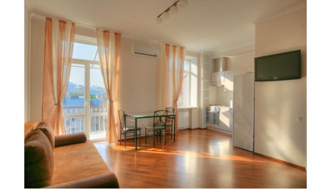 2-кімнат. квартира в Київ, Костельная 11