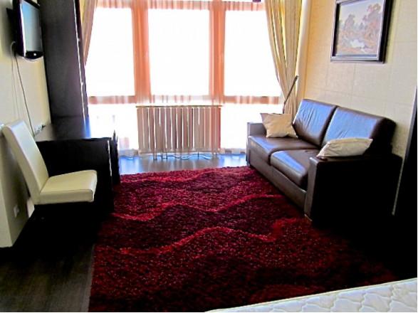 1-комнат. квартира в Киеве, Героев Сталинграда 2-Г