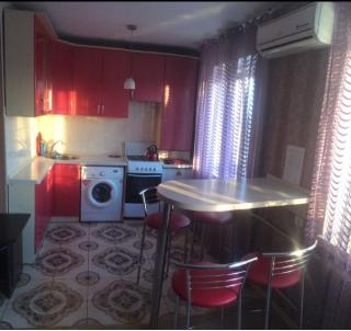 2-комнатная квартира в городе Чернигов, Проспект Мира 12