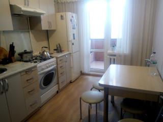 3-комнатная квартира в городе Южный, Строителей 21